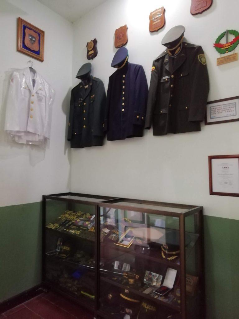 Trajes de peregrinos en el Museo de Buga