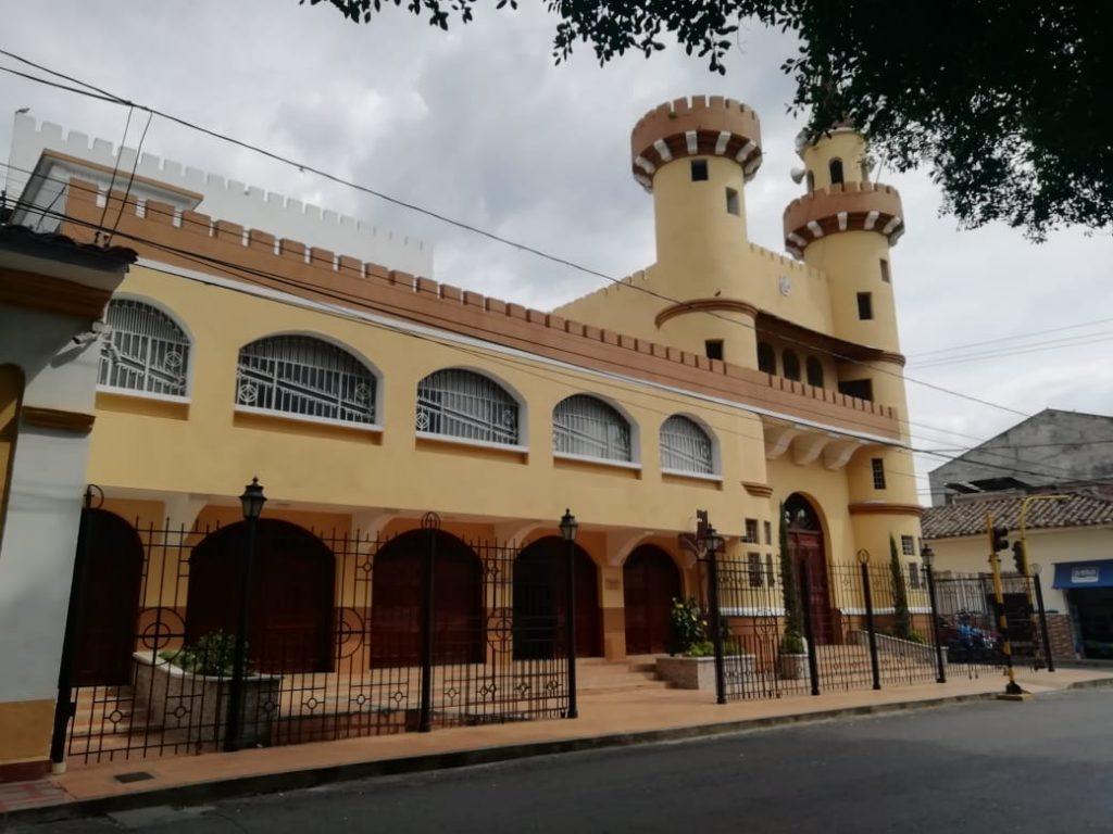 Iglesias en Buga, ciudad señora